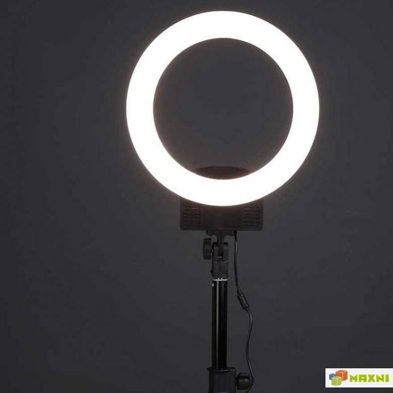 Какую кольцевую лампу выбрать для блоггера и визажиста?