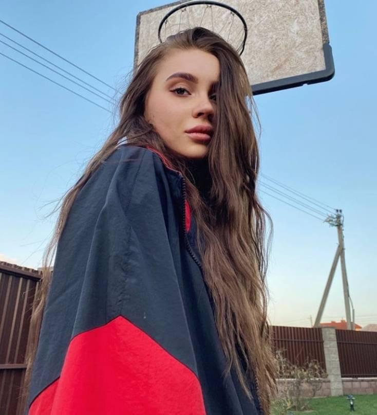 Юлия гаврилина тик ток - биография, сестра, рост, фото , факты, даня