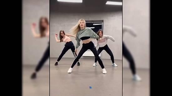 Танец пальцами тик ток в 2020 году: обучение, музыка, как снять