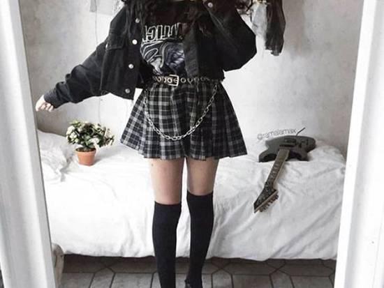 E-girl — стиль, одежда и макияж, список вещей, фото образов и луков