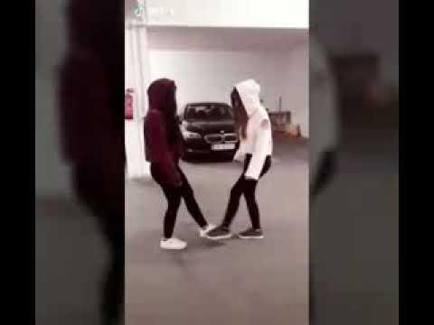 Туториал по танцам из тик тока: тренды с ногами и руками